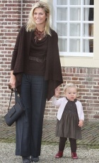 Queen (consort) Maxima with Princess Ariane
