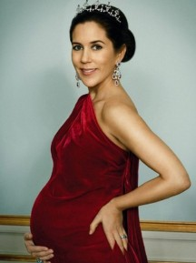 Crown Princess Mary, 2011, pregnant with twins
