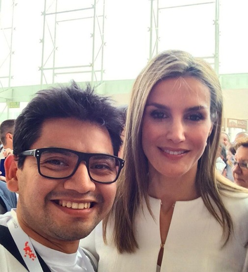 01-Felipe-and-Letizia-new-reign-the-king-and-queen-of-selfies