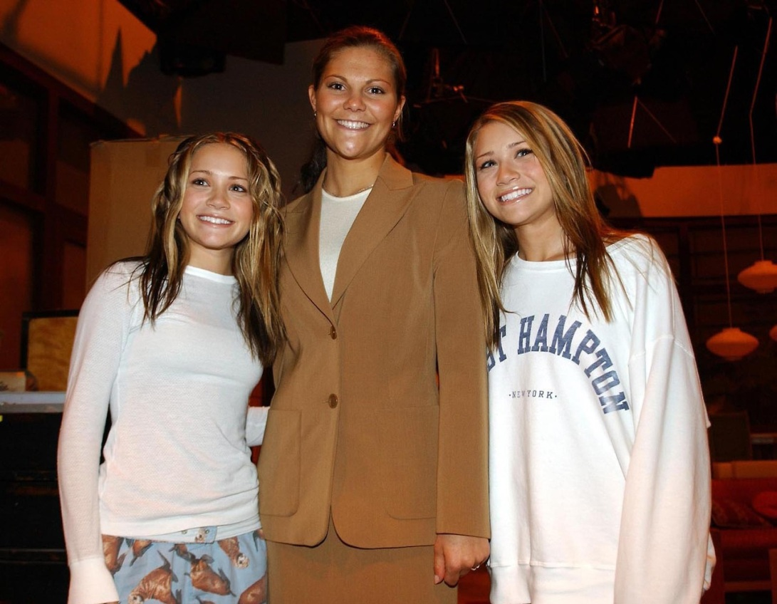 #tbt: The Olsen Twins Meet Crown Princess Victoria, 2001